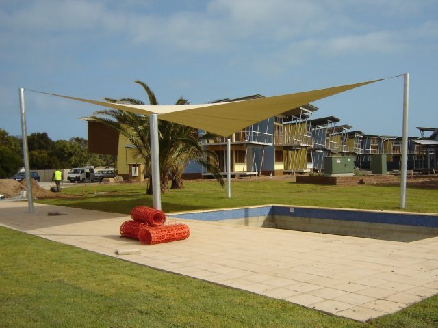 voile d'ombrage triangulaire - shade sail -  protection solaire