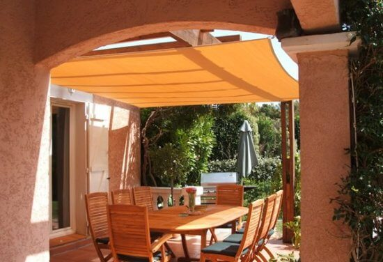 Voile d'ombrage|toile solaire : la protection solaire
